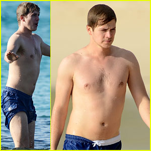 Hayden Christensen: Shirtless Caribbean Vacation!