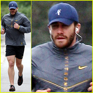 Jake Gyllenhaal: Livestrong Workout!