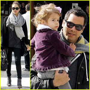 Jessica Alba: Sunday Brunch with Cash & Honor!