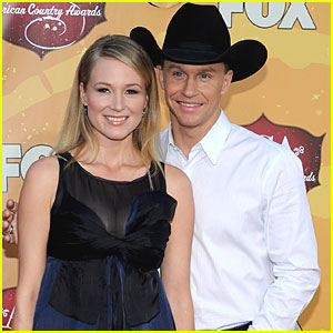 Jewel & Husband Expecting A Baby
