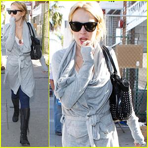 Lindsay Lohan: Stroll in Venice Beach!