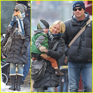 Naomi Watts & Liev Schreiber: Museum Trip with the Boys!