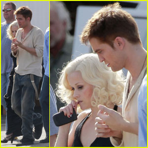 Reese Witherspoon: 'Elephants' Reshoot with Robert Pattinson