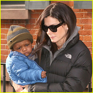Sandra Bullock & Louis Bundle Up in the Big City