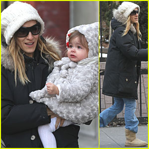 Sarah Jessica Parker: Strolling with the Twins!
