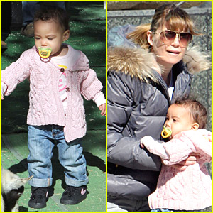 Ellen Pompeo: Petting Zoo With Stella!