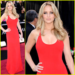 Jennifer Lawrence - Oscars 2011 Red Carpet