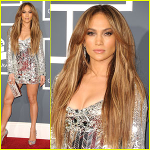 Jennifer Lopez - Grammys 2011 Red Carpet