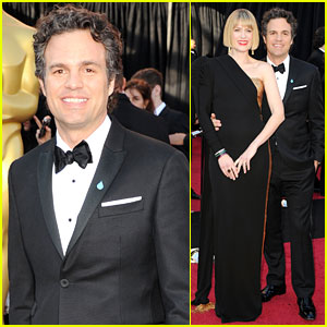 Mark Ruffalo: Oscars 2011 Red Carpet with Sunrise Coigney