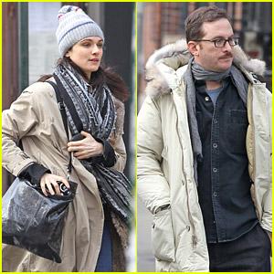 Rachel Weisz & Darren Aronofsky Catch A Cab