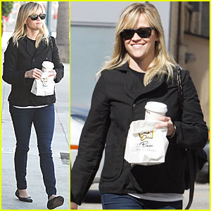 Reese Witherspoon: Wedding Dress Shopping on Sunday!