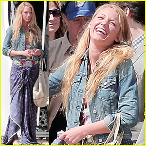 Blake Lively: Pacific Coast Cutie!