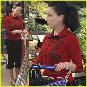 Dita Von Teese Picks Up Produce