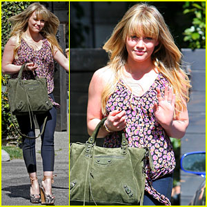 Hilary Duff Debuts New Blonde Do!