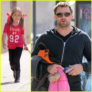 Hugh Jackman: Dog Walk with Ava!
