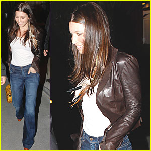 Jessica Biel All Smiles After Split