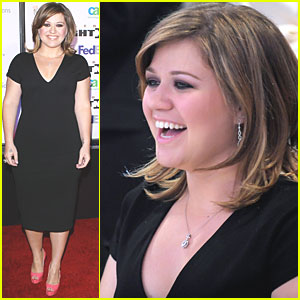 Kelly Clarkson: Muhammad Ali's Celebrity Fight Night!