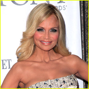 Kristin Chenoweth Joins 'Good Christian Bitches' Pilot