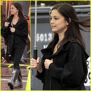 Kristin Kreuk Enters the '17th Precinct'