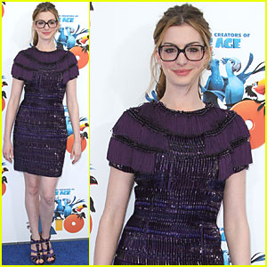 Anne Hathaway: 'Rio' Premiere in Los Angeles!