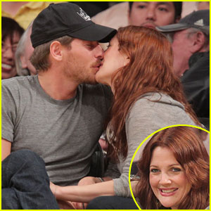 Drew Barrymore & Will Kopelman: Courtside Kisses!