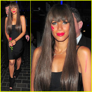 Leona Lewis: Roses & Red Face Paint!