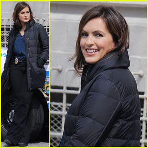 Mariska Hargitay: Smiling on the 'SVU' Set