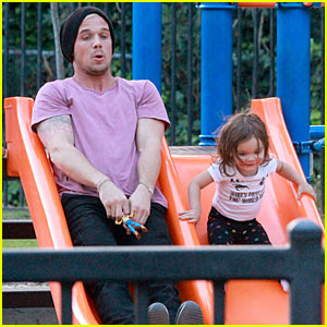 Cam Gigandet: Playground Date with Everleigh!