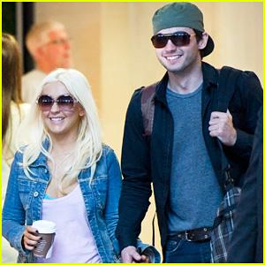 Christina Aguilera & Matt Rutler: Joyful LAX Departure!