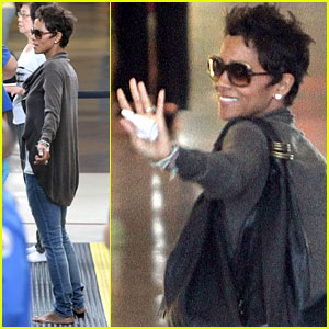 Halle Berry: Airport Security Arrival
