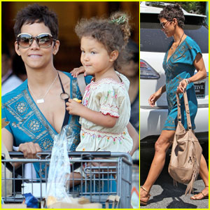 Halle Berry & Nahla: Grocery Gals