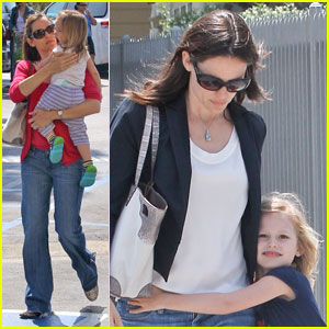 Jennifer Garner: Tag with Violet & Seraphina!