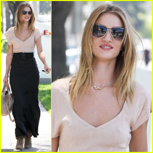 Rosie Huntington-Whiteley: Salon Stop