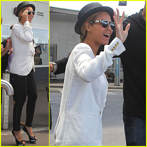 Beyonce: Nice Airport Arrival