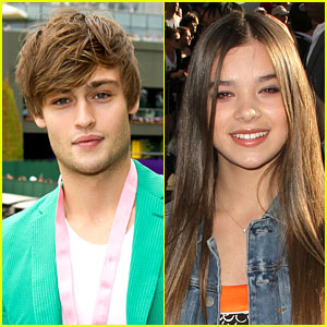Douglas Booth: 'Romeo and Juliet' with Hailee Steinfeld!