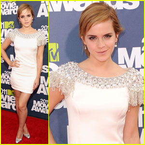 Emma Watson - MTV Movie Awards 2011 Red Carpet