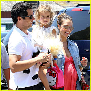 Jessica Alba & Cash Warren: Sunday Brunch with Honor!