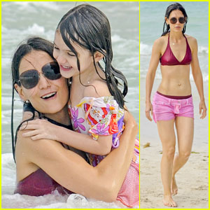 Katie Holmes: Bikini Beach Time with Suri!