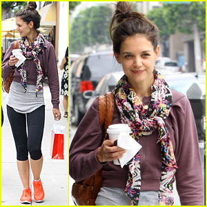 Katie Holmes: Orange Sneakers for Workout!