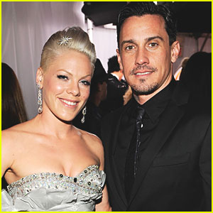 Willow Hart: Pink & Carey Hart's Newborn Daughter!