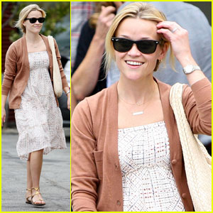 Reese Witherspoon: Church with Jim & Deacon!