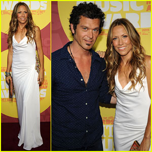 Sheryl Crow: CMT Music Awards 2011 with Doyle Bramhall II!