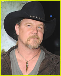 Country Star Trace Adkins Loses House to Fire