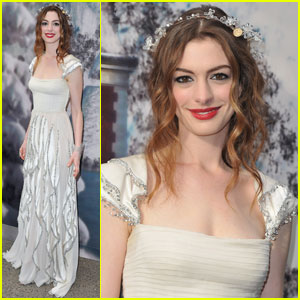 Anne Hathaway: White Fairy Tale Love Ball!