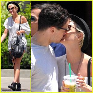 Ashlee Simpson & Vincent Piazza: Kiss Kiss!