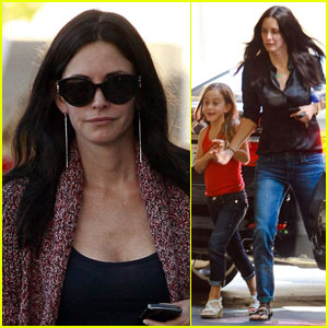 Courteney Cox: Coco Wears High Heels!