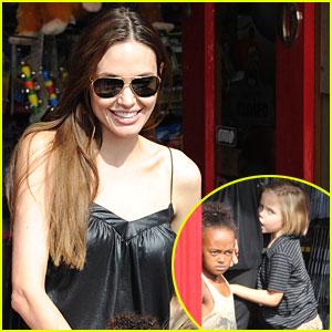 Angelina Jolie, Zahara & Shiloh: Toy Store Trio