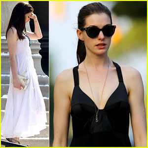 Anne Hathaway: Catwoman Walks Her Dog!