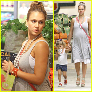 Jessica Alba &#038; Honor: Whole Foods Fun