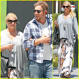 Jessica Simpson: Lunch and a Movie with Eric Johnson!